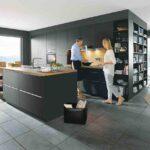 Moderne Küche schlicht schwarz matt