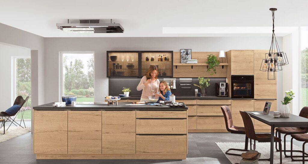 Klassik Küche mit Holzfront