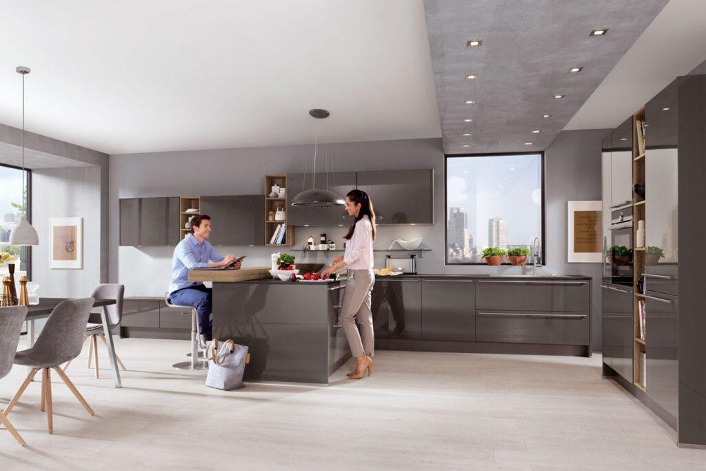 moderne Küche mit Lackfront