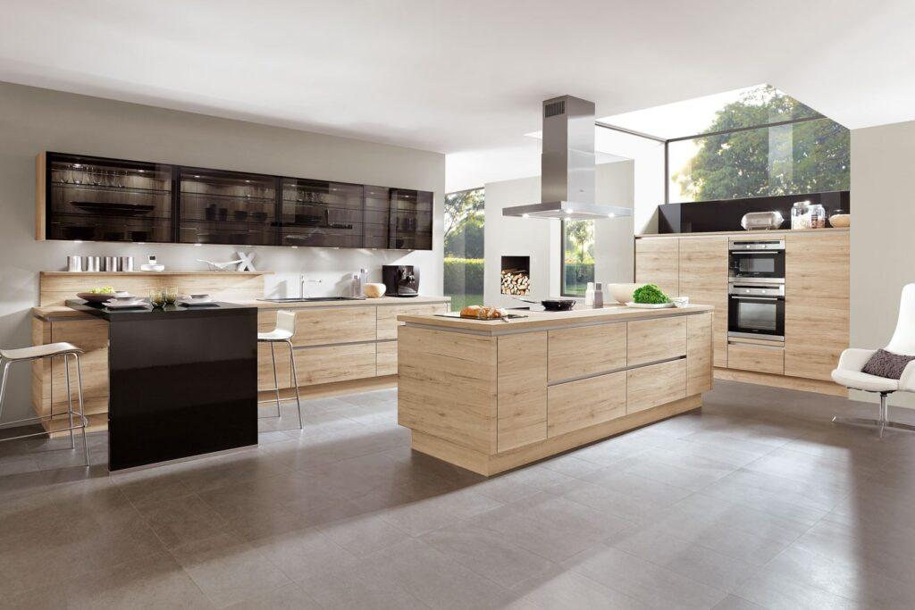 grifflose Küche Holz und Glas