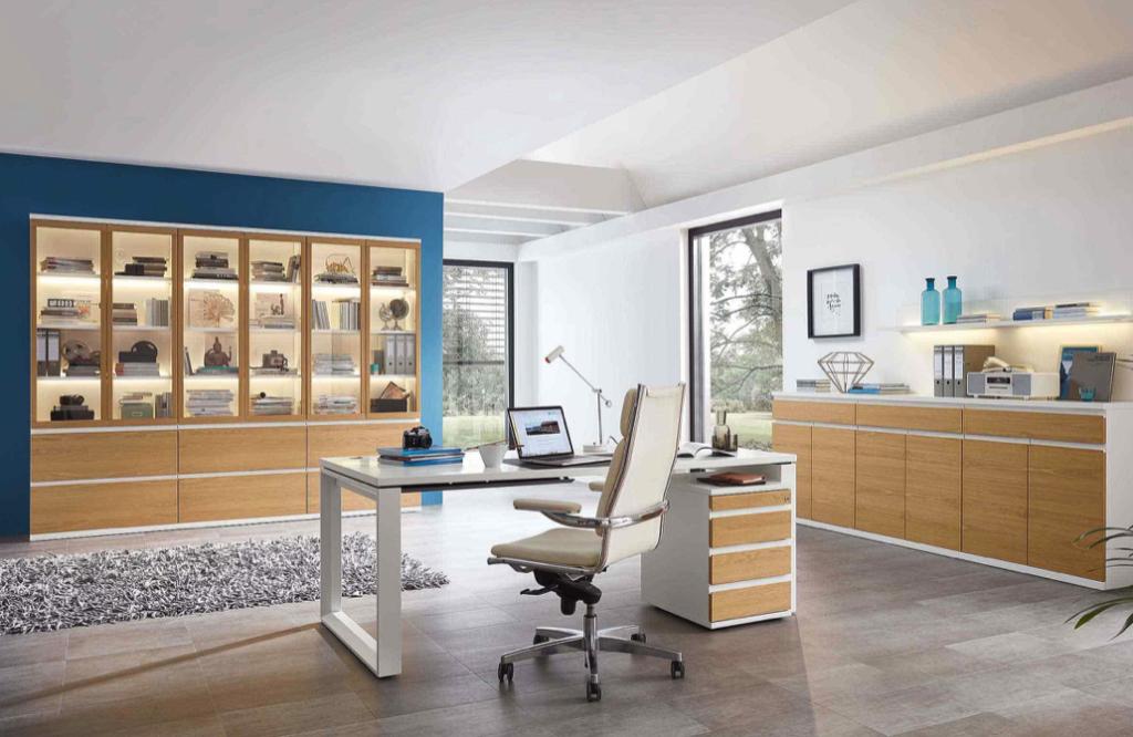 Bueroeinrichtung Schreibtisch Bürostuhl Aktenschrank Holzfront weiß moderne Arbeiten