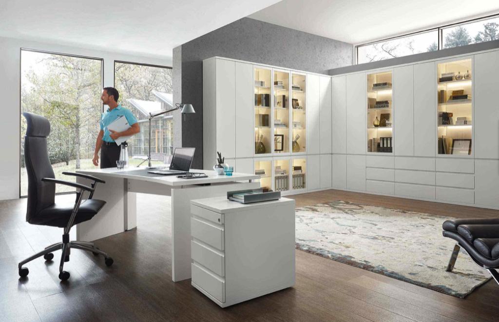 Arbeitszimmer und Büro Bueroeinrichtung Schreibtisch Bürostuhl Aktenschrank weiß moderne Arbeiten